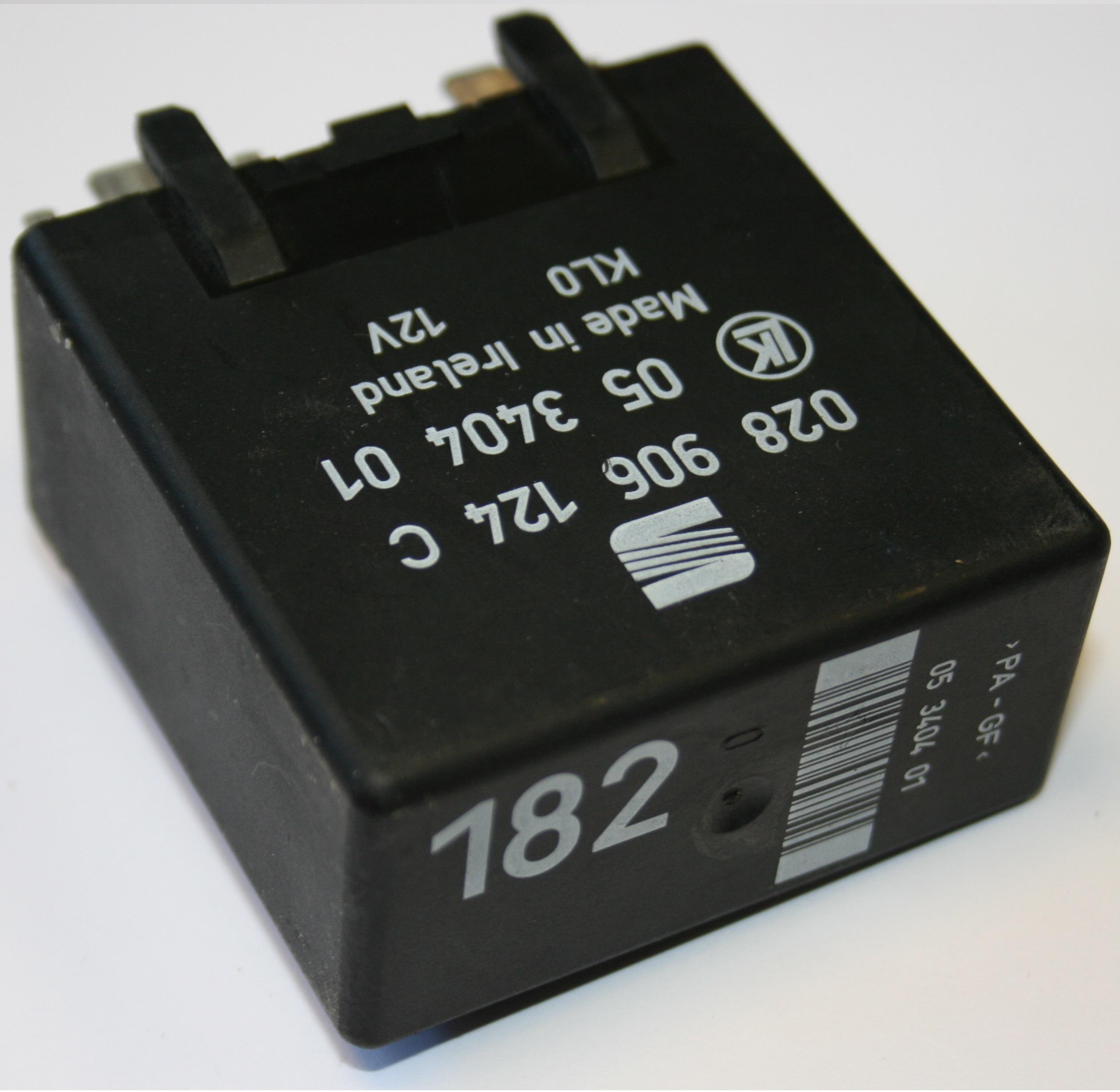 Used Genuine VW Caddy 182 Relay Engine Control Glow Plug Unit 12V ...