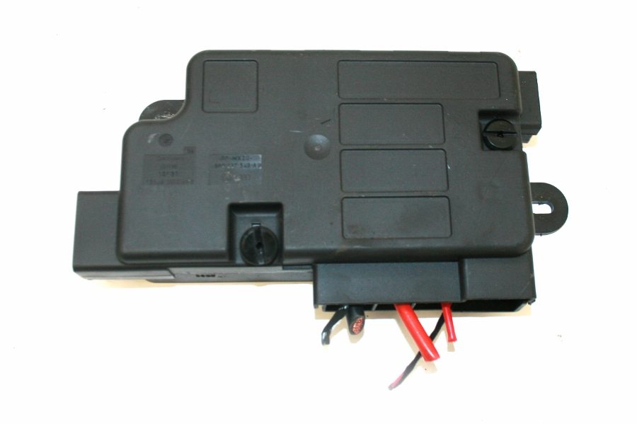 Used Genuine Vw Golf R32 Battery Fuse Box Terminal